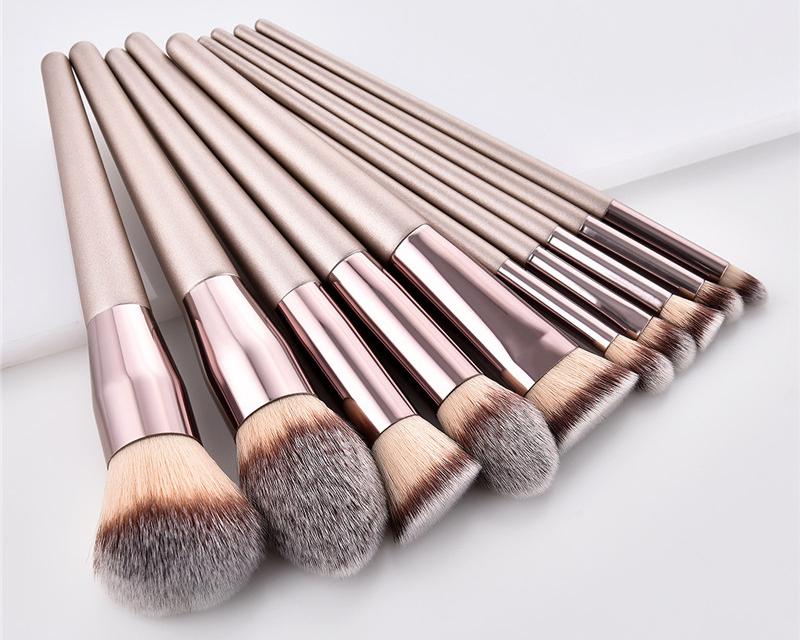 10pcs/set Champagne makeup brushes set for cosmetic foundation powder blush eyeshadow kabuki blending make up brush beauty tool